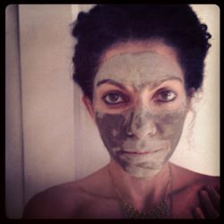 My oily T-zone loves a good clay mask. This particular one is fresh river clay from the Osa Pennissula. Clay helps to draw out toxins and impurities from the body, like a magnet. It makes me feel earthy and clean.