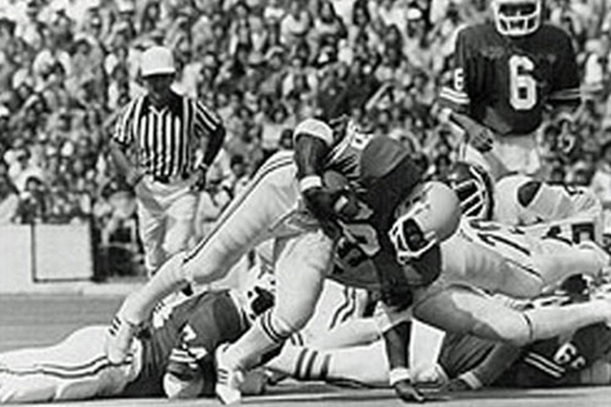 Each Week The Historical Looks Ahead To Upcoming Contests In Order Look Back At History Of College Football This We Relive 1973 Red River