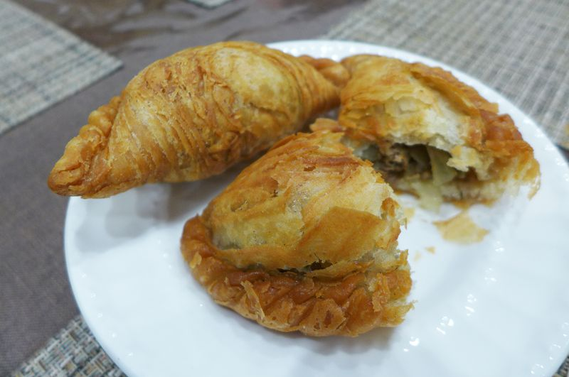 Beef and onion samsa