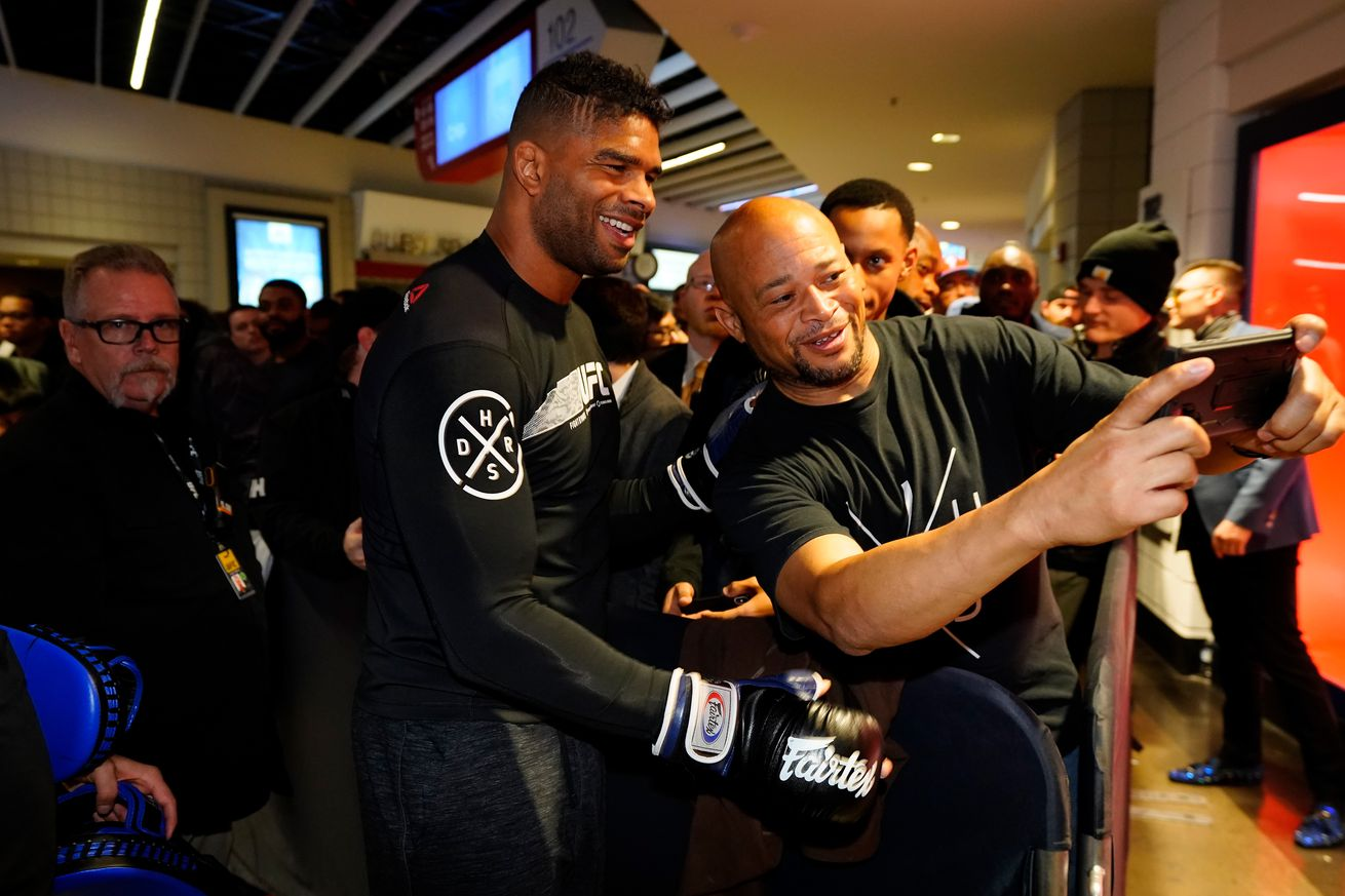 UFC Fight Night: Open Workouts