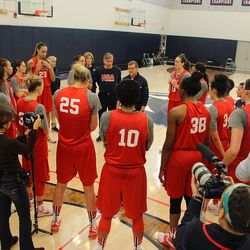 USA Basketball head coach Geno Auriemma speaks to the team at the end of their third practice.