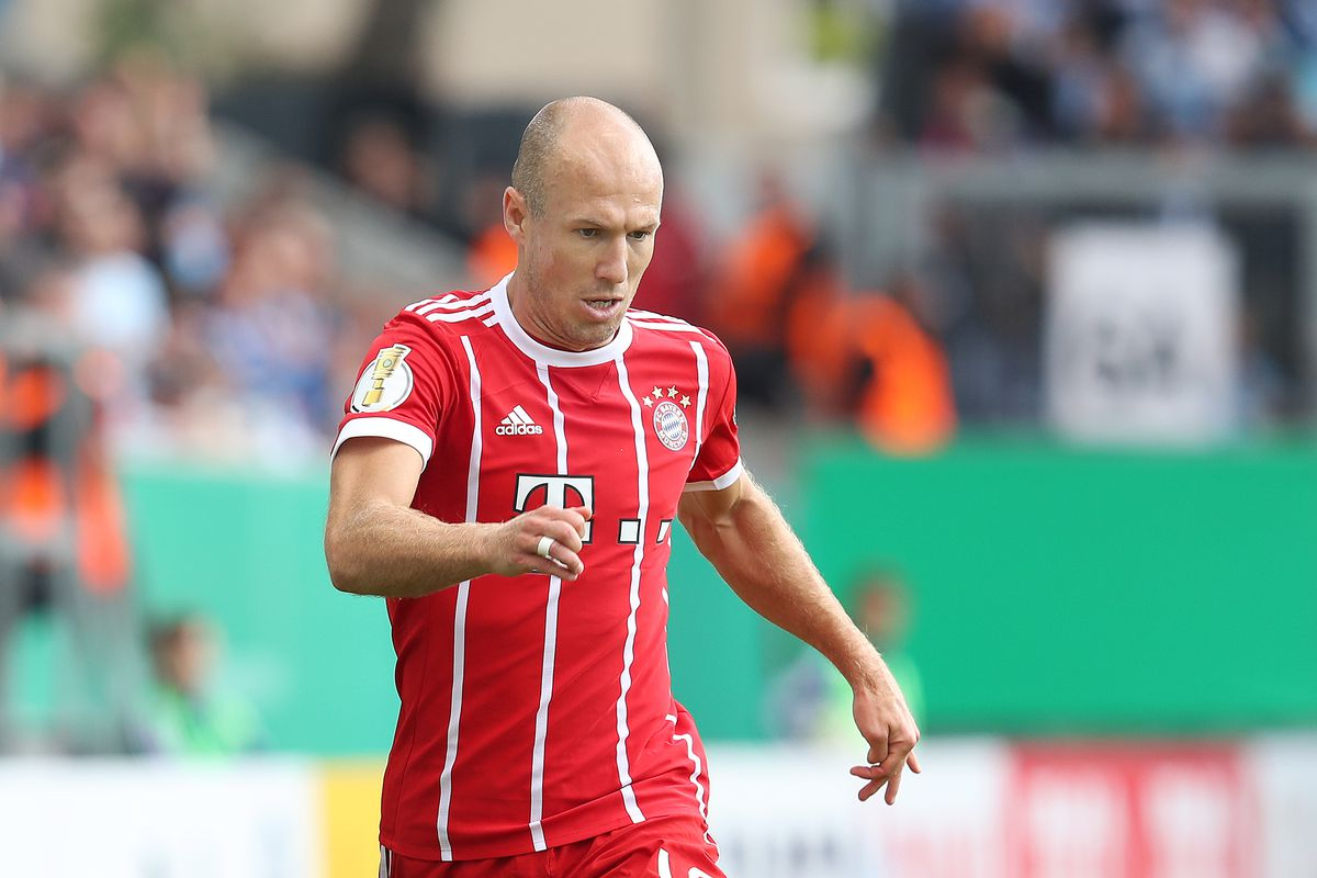Manchester United linked with late move for Arjen Robben The