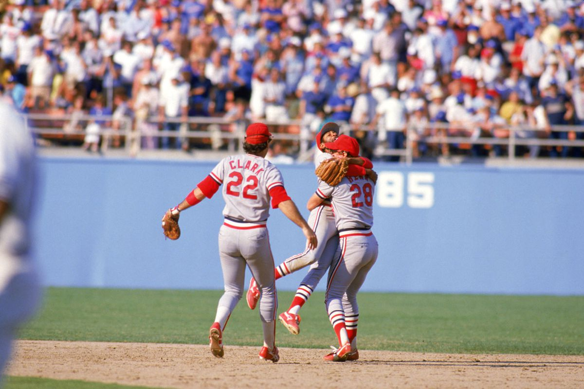 Jonathan Broxton reminds me of Tom Niedenfuer, who was the losing pitcher in the final two games of the 1985 NLCS against the Cardinals (<em>Photo: Rick Stewart / Getty Images</em>)