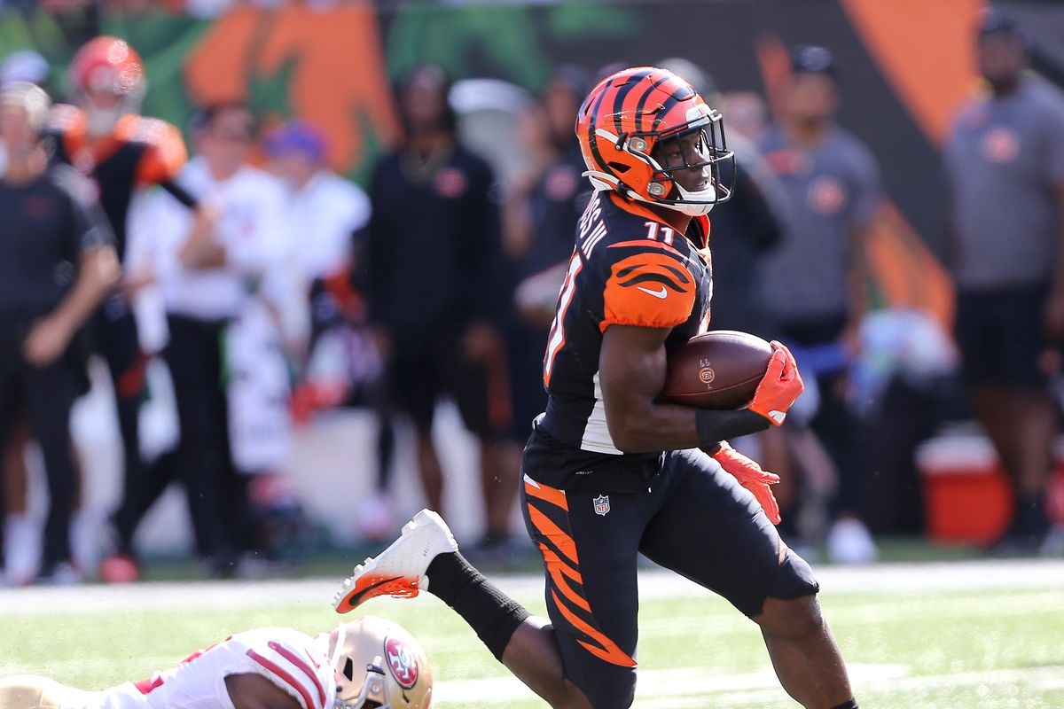 Cincinnati Bengals wide receiver John Ross breaks free for a touchdown during the fourth quarter against the San Francisco 49ers at Paul Brown Stadium.