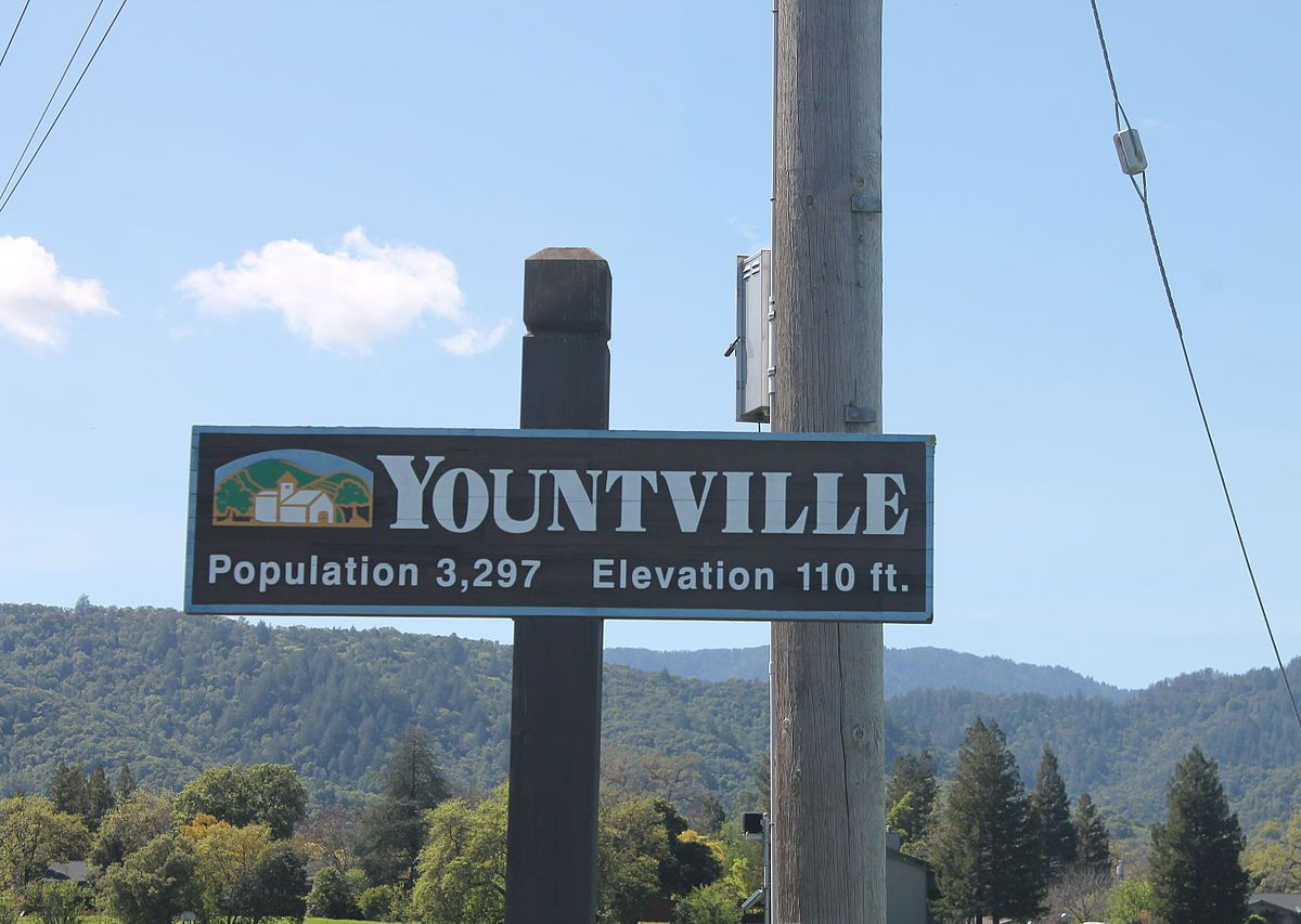 """A sign reading """"Yountville"""""""