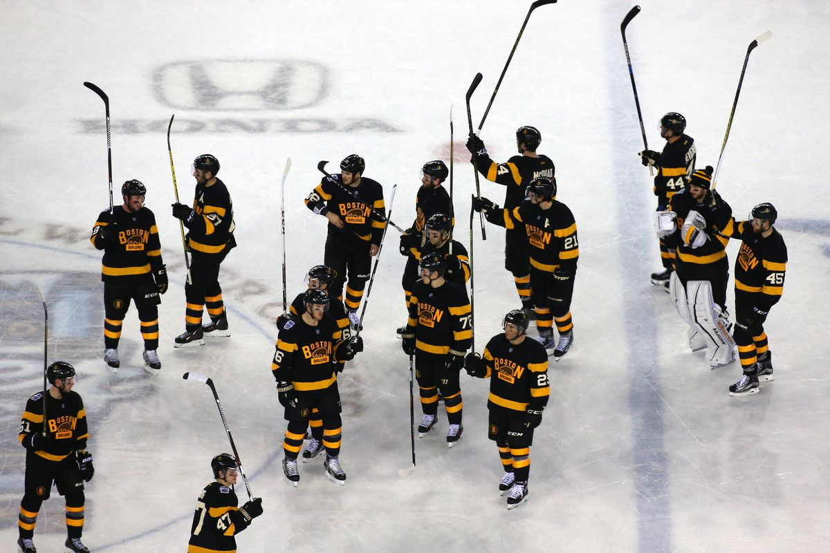 The Bruins salute their fans at Gillette