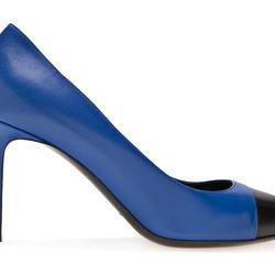 """Saint Laurent <a href=""""http://www.farfetch.com/shopping/women/saint-laurent-two-tone-pump-item-10636790.aspx?storeid=9272"""">two-toned pumps</a>"""