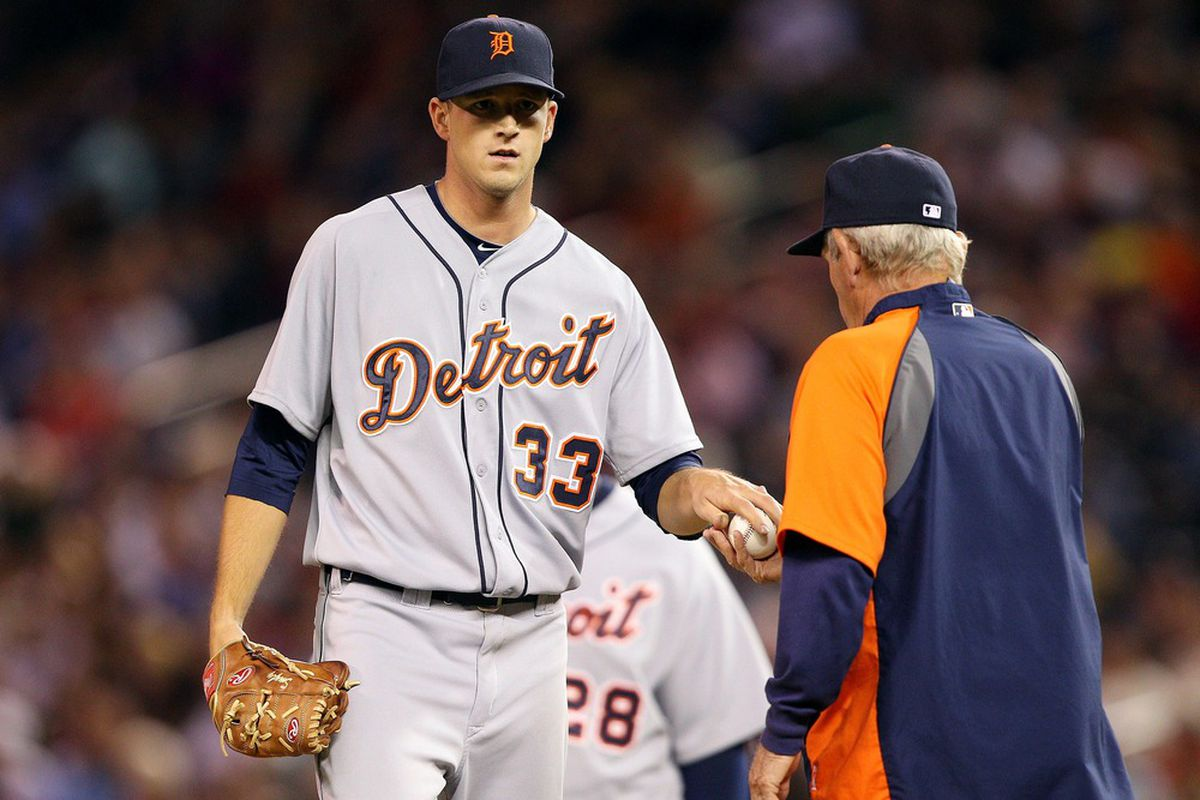 May 25, 2012; Minneapolis, MN, USA: Detroit Tigers starting pitcher Drew Smyly (33) gets pulled form the game in sixth inning by Detroit Tigers manager Jim Leyland against the Minnesota Twins at Target Field. The Tigers won 10-6.