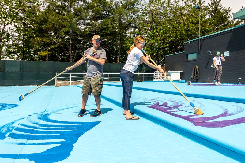colorful pop up pools return to brooklyn bridge park roosevelt island new york city blog. Black Bedroom Furniture Sets. Home Design Ideas