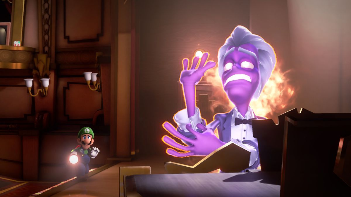 Luigi comes across a purple ghost playing a piano