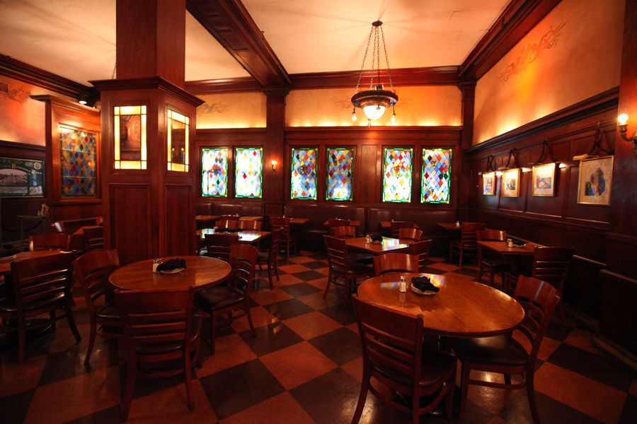 12 Great Restaurants In Chicago S Theatre District For Pre