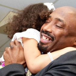 Andre Morman is reunited with his 6-year-old daughter Jhaniyika.