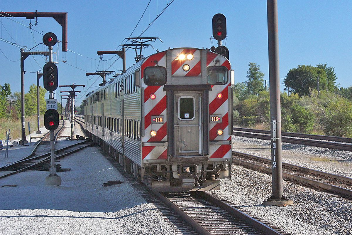 Metra Electric train at University Park.