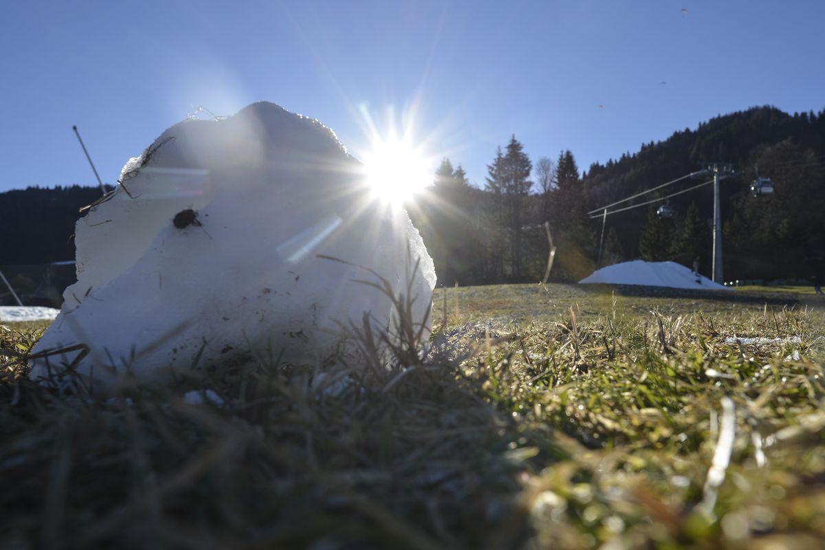Warm Temperatures Persist In Central Europe
