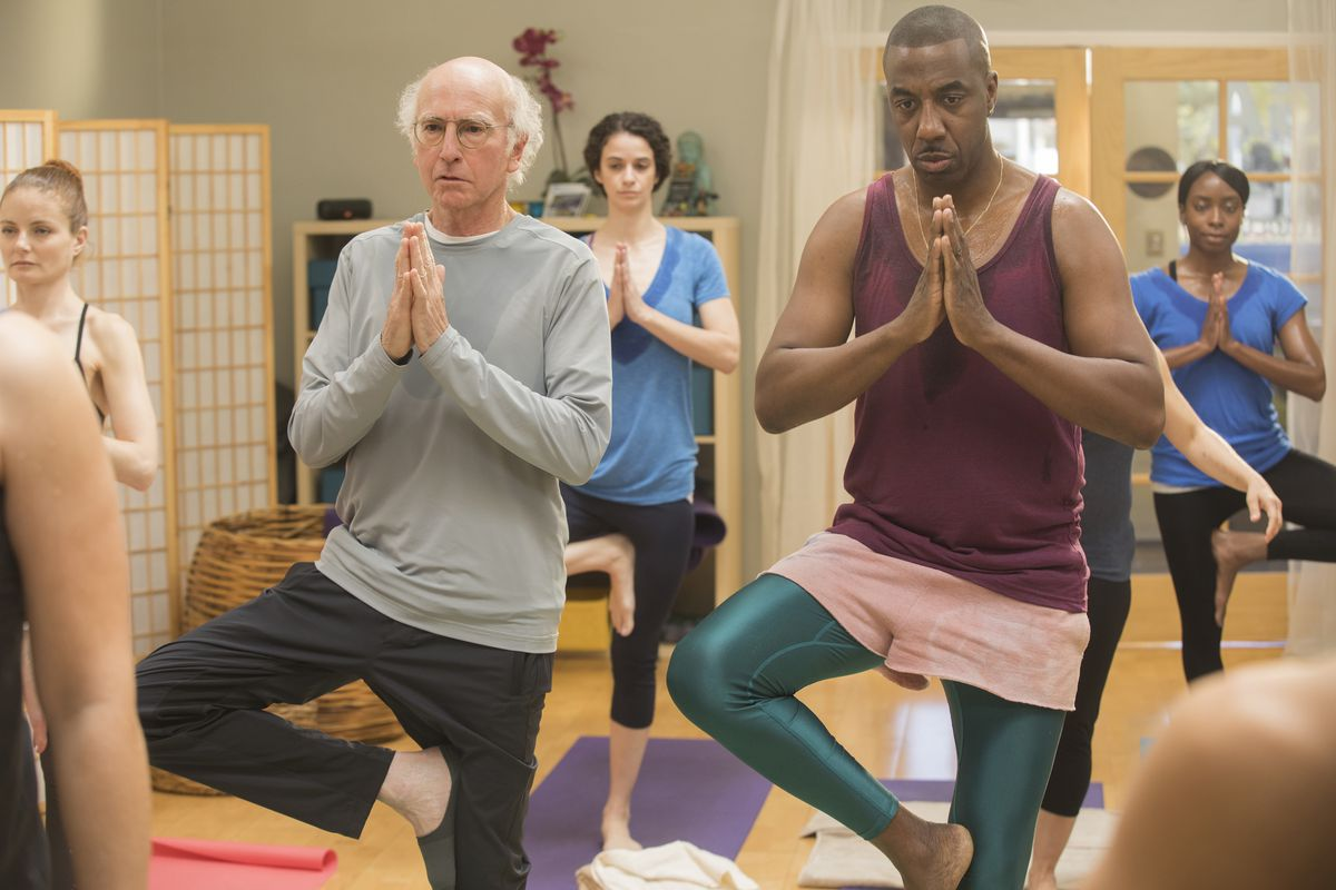 Larry David in a yoga class in 'Curb Your Enthusiasm'