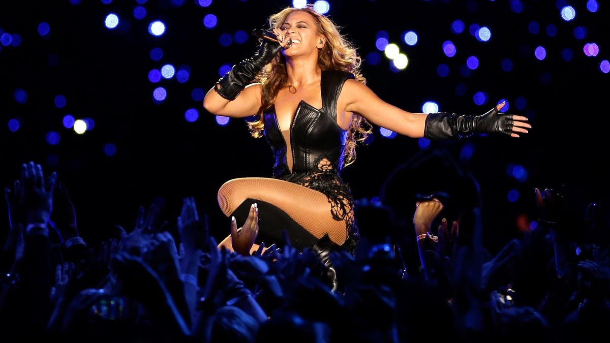 the 17 best and worst super bowl halftime shows - vox