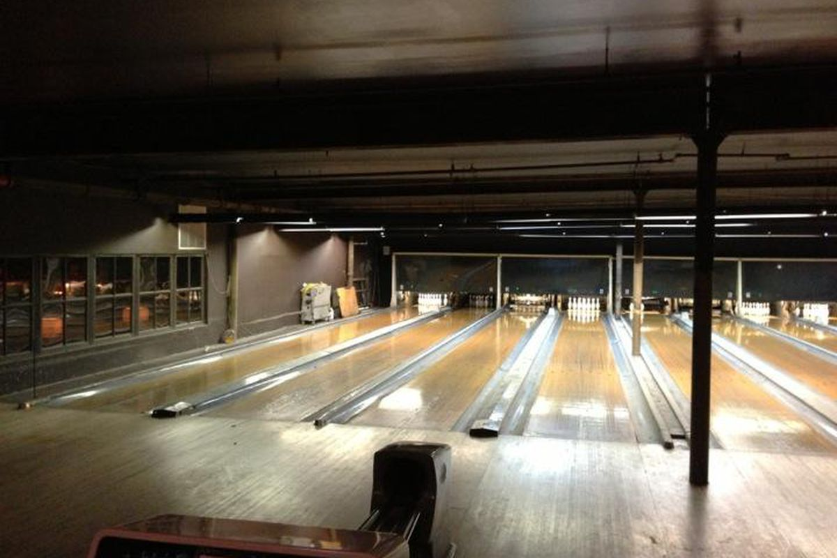 Greenpoint Bowling Alley The Gutter Temporarily Closes As