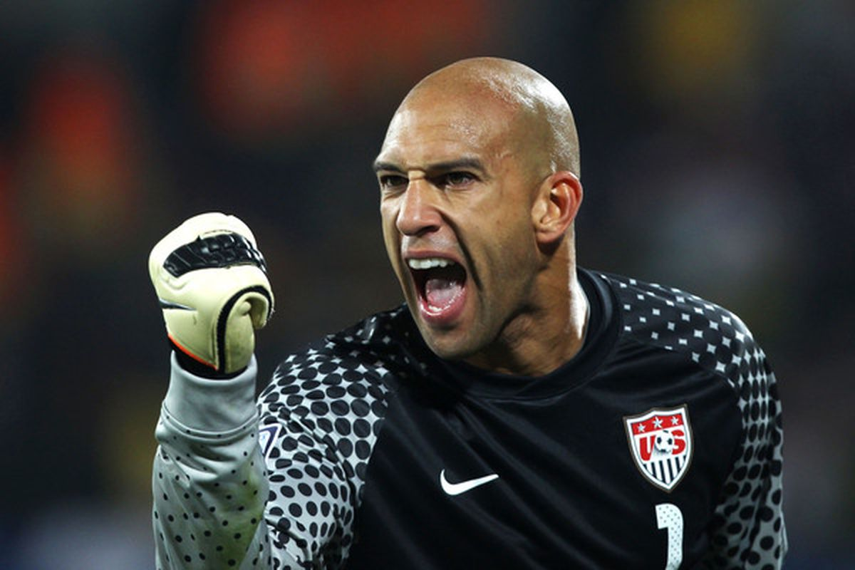 Tim Howard will lead the USA into their 1st WCQ game tonight.  (Photo by Ian Walton/Getty Images)