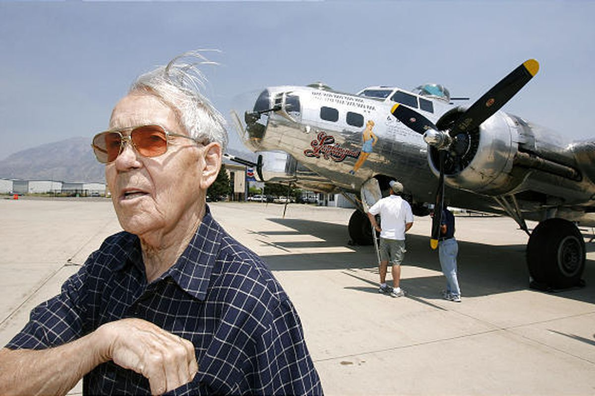Karl Schnibbe visits the B-17 bomber in 2007. Schnibbe, who was held captive in a Nazi labor camp during World War II, died Sunday.