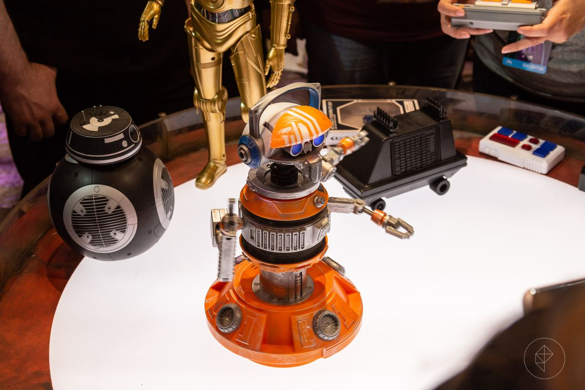 How fans will build their own droids at Disney's Star Wars