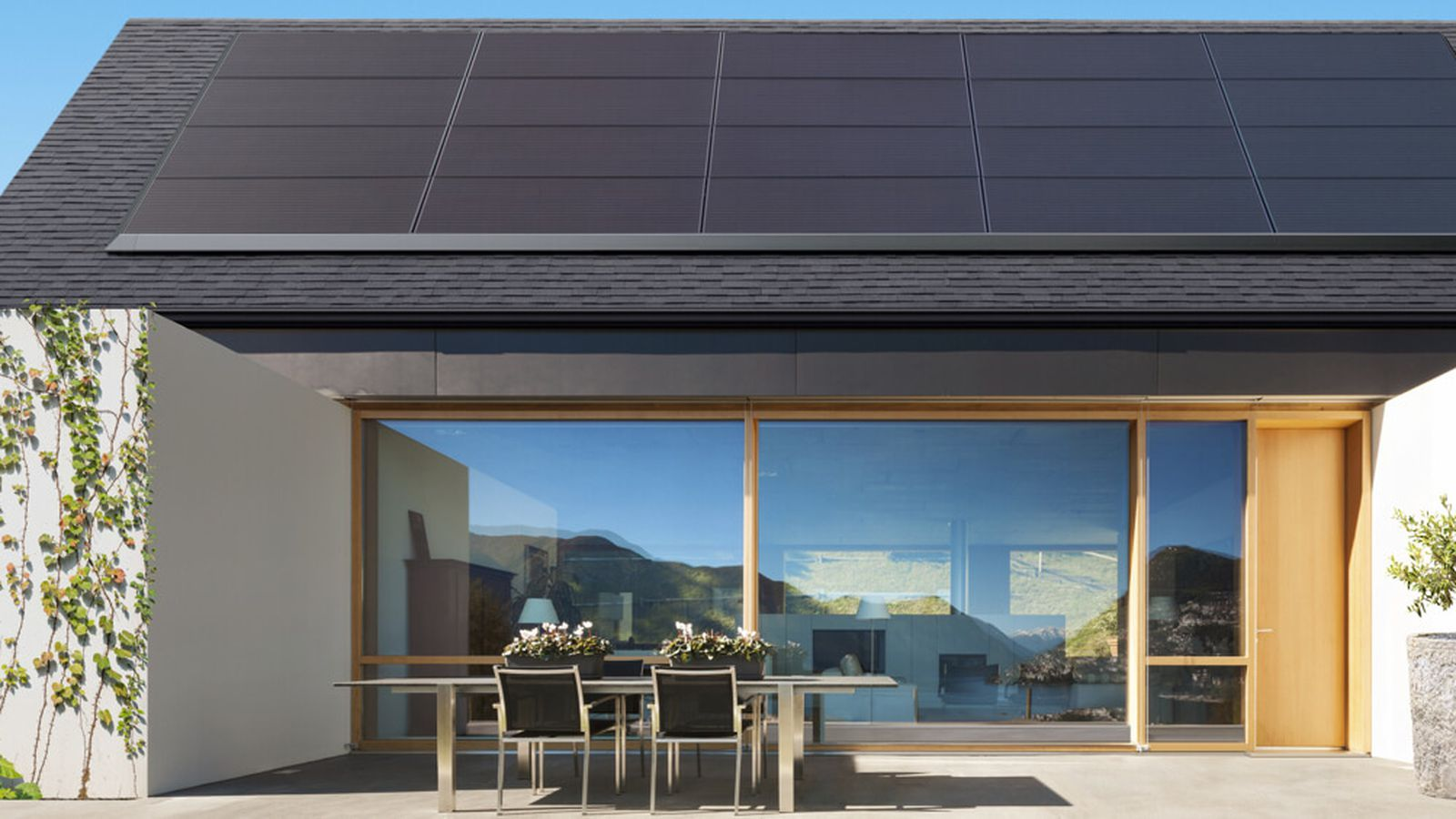 Tesla S New Solar Panels Blend Right Into Existing Roofs