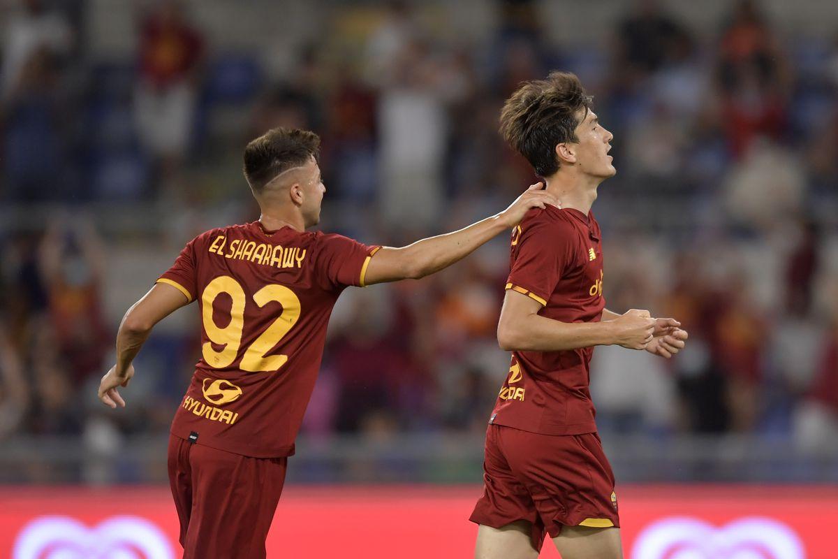 Eldor Shomurodov of AS Roma (R) celebrates with Stephan El...
