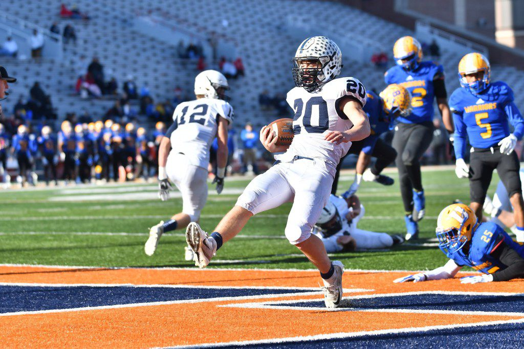 Cary-Grove's Blake Skol (20) steps into the end zone against Crete-Monee in the Class 6A state championship game.