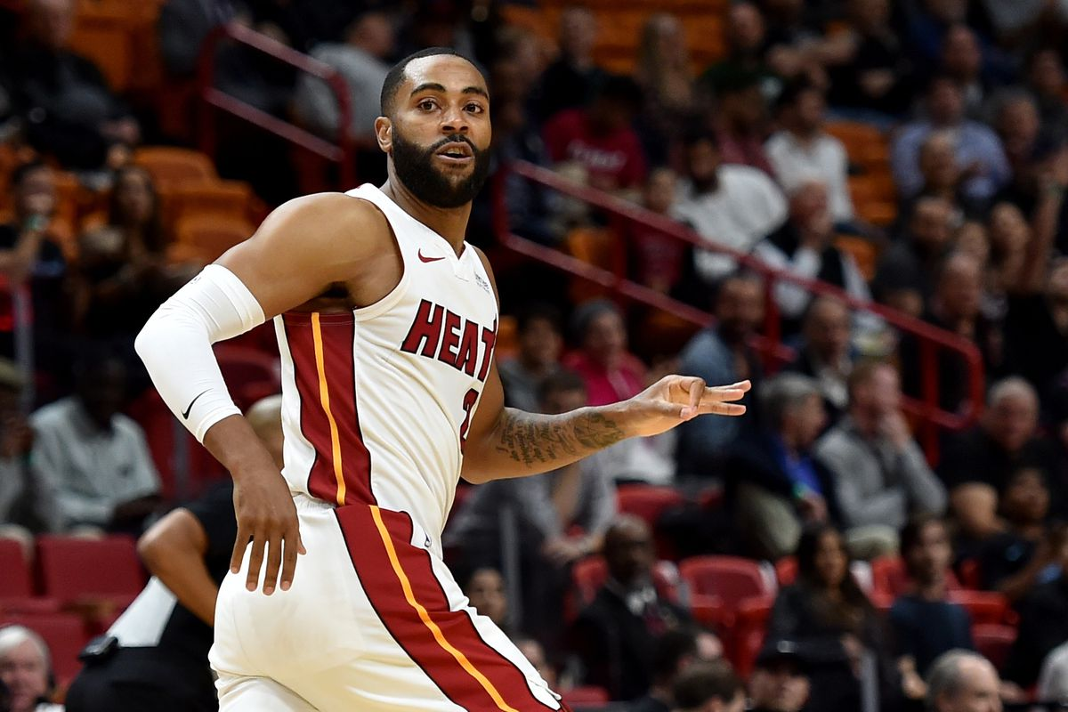 new arrival 1e3d1 6dfba Wayne Ellington's agent working with Suns on buyout to join ...