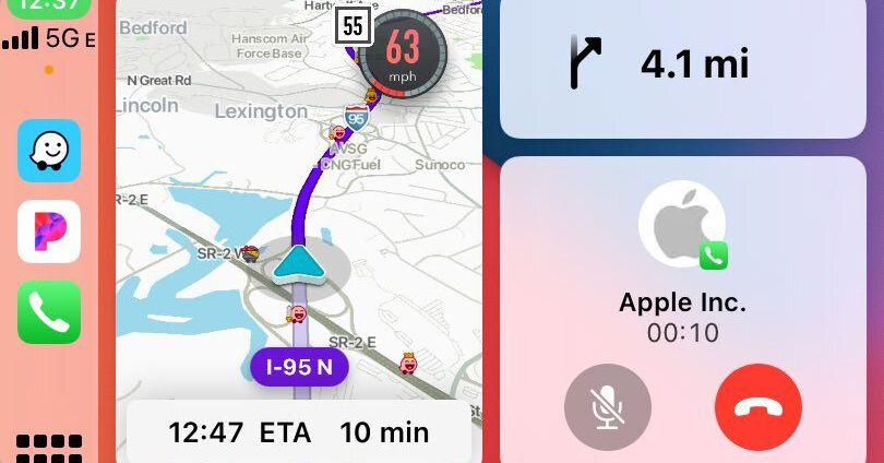 Waze will soon support CarPlay's split-view dashboard mode