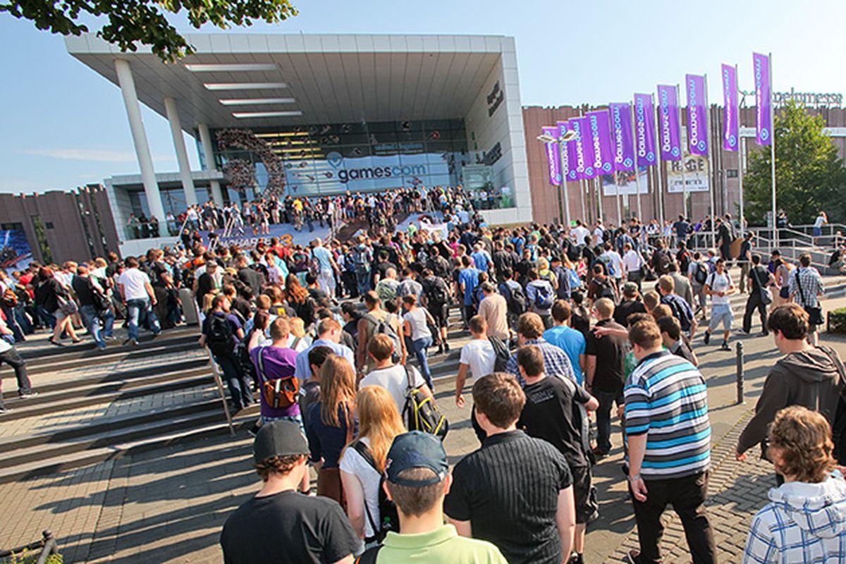 Gamescom 2011 outdoors