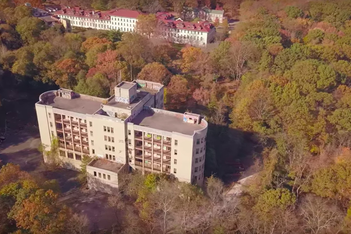 see inside staten island s eerie abandoned seaview hospital and