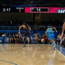 Diamond DeShields steals the ball from DeWanna Bonner and takes it to the rim for a layup.