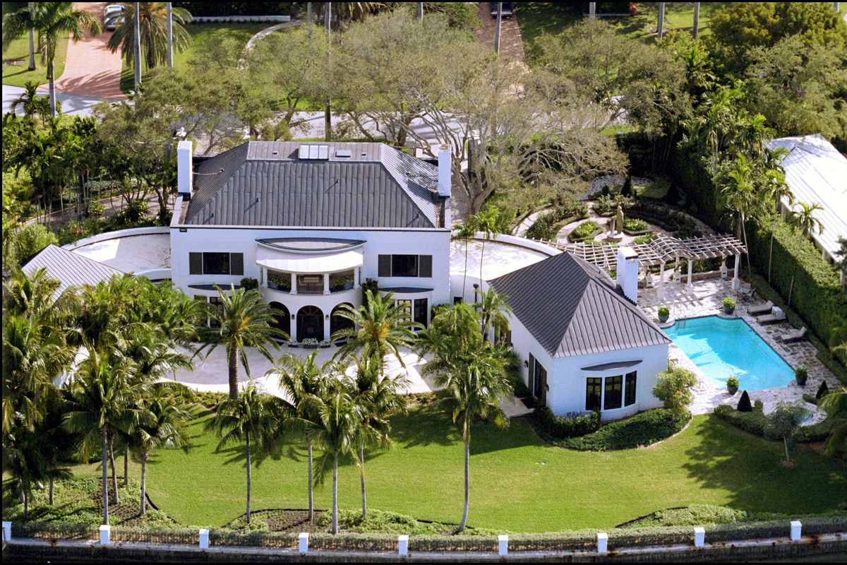 Celebs' mansions in Miami, United States on February 09, 2001.