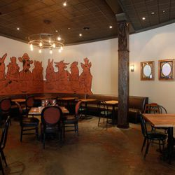 """Jeremy Fish's mural depicts all the animals Begg likes to cook, sitting down for a meal. For comparison's sake, <a href=""""http://sf.eater.com/archives/2011/02/01/tonys_pizza_napoletana_new_jeremy_fish_mural_revealed.php"""" rel=""""nofollow"""">here's</a> Fish's ot"""