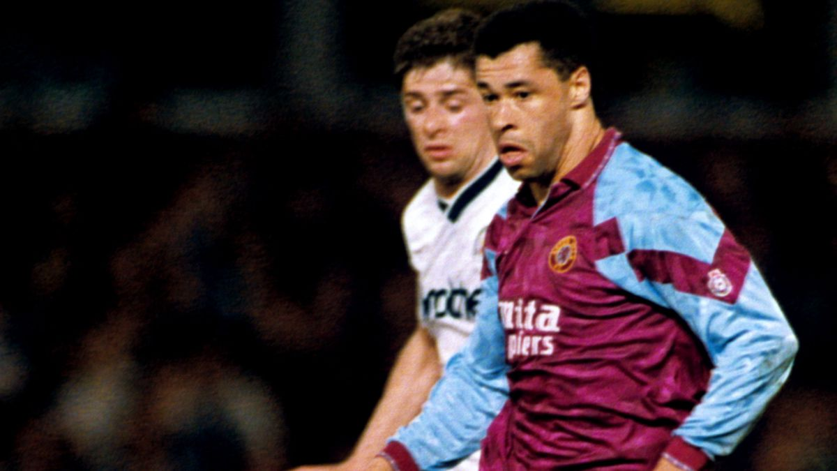 Soccer - Barclays League Division One - Aston Villa v Manchester City - Villa Park
