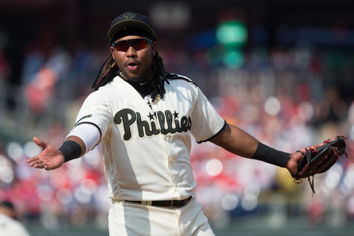 The Phillies beat the Blue Jays, take sole possession of