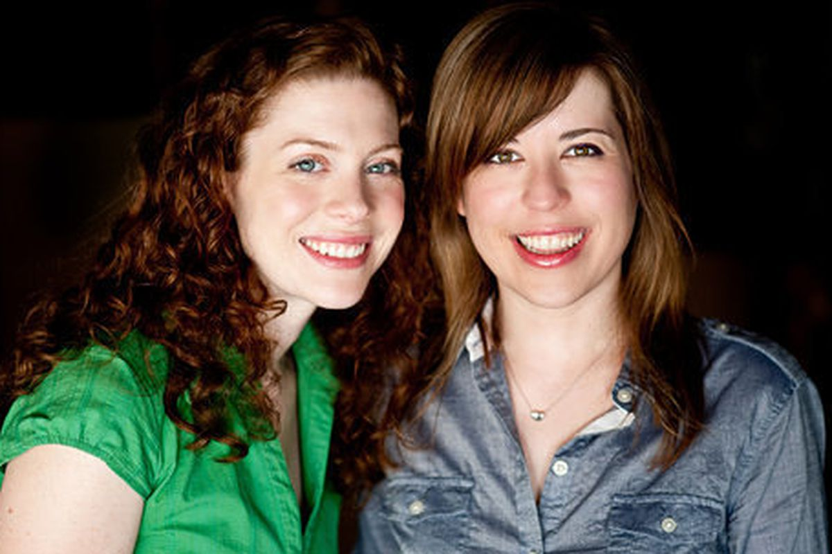 Heather Cocks, left, and Jessica Morgan are the Fug Girls. Photo by Kim Fox