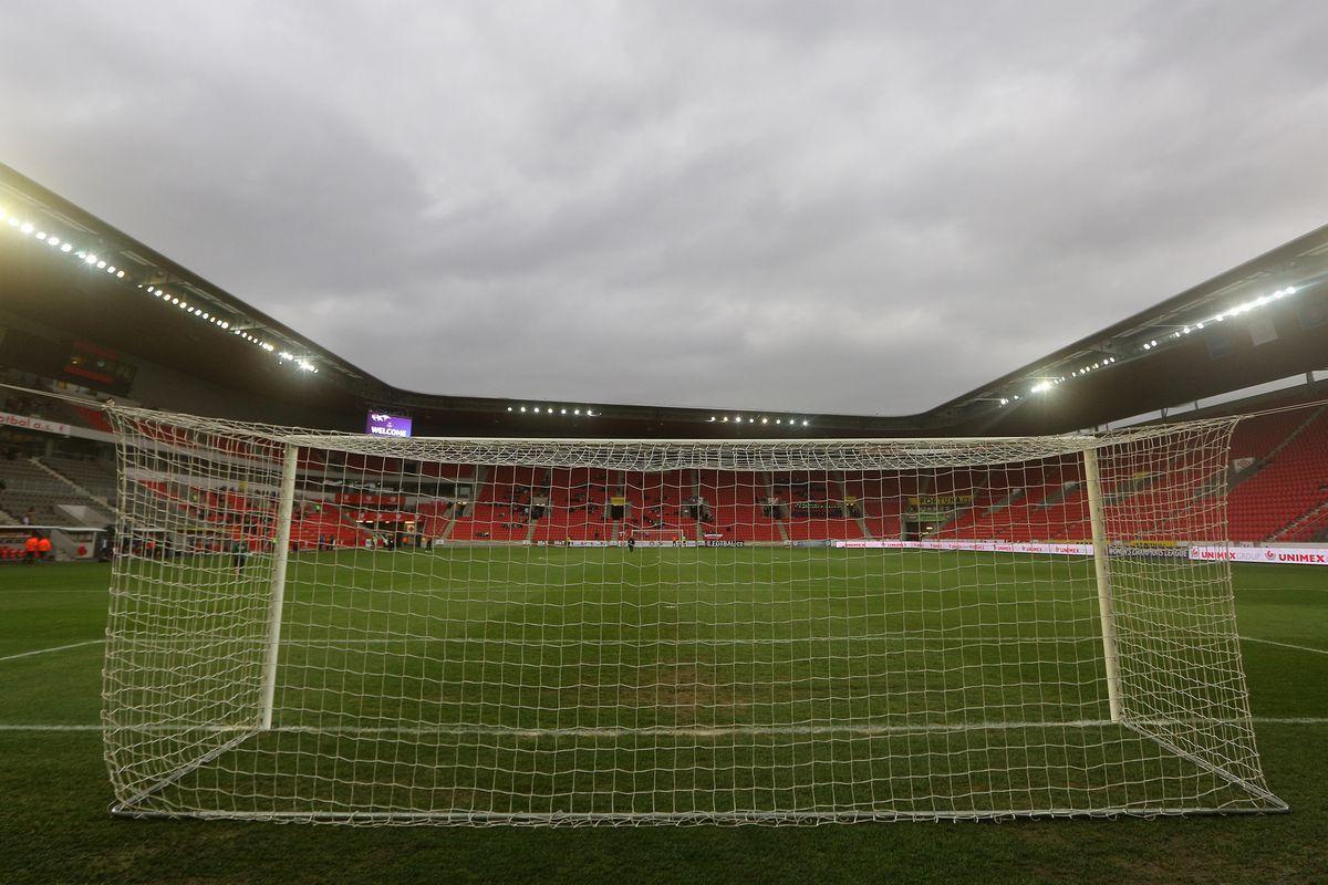Slavia Praha v Lyon - UEFA Women's Champions League