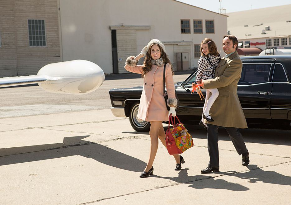 Alison Brie as Trudy Campbell, Aria Lyric Leabu as Tammy Campbell, and Vincent Kartheiser as Pete Campbell in season 7, episode 14 of Mad Men.