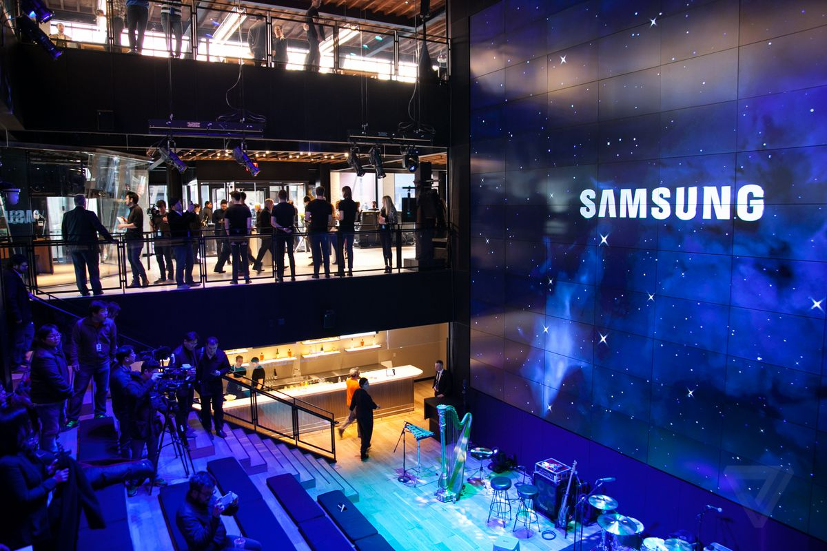 Samsung S Galaxy S8 Will Reportedly Have Both A Headphone