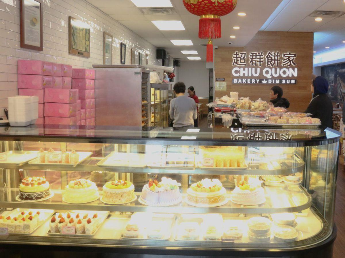 Chiu Quon Bakery in Chinatown.   Brian Rich/Sun-Times