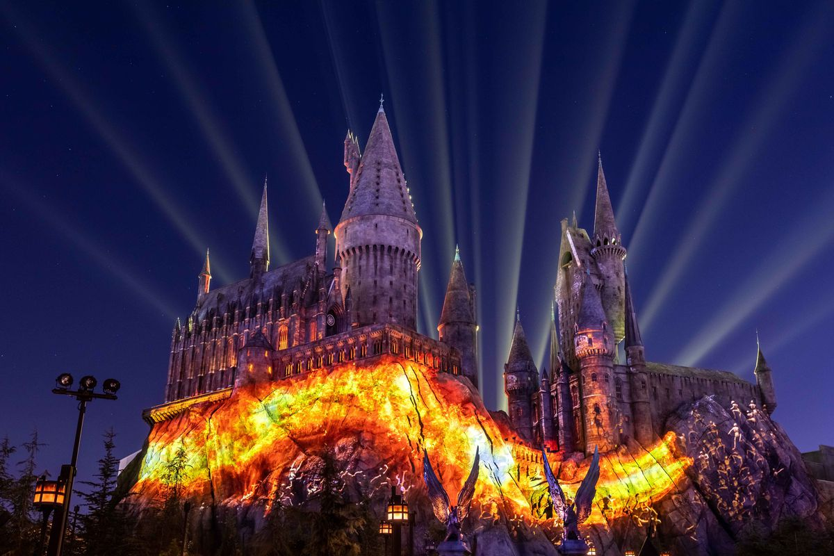 Harry Potters Wizarding World Gets An Incredible New Light