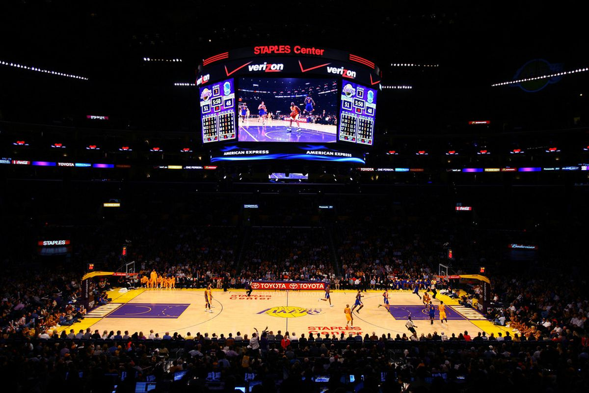 Lakers, SB  unveil Staples Center - new Clippers floors
