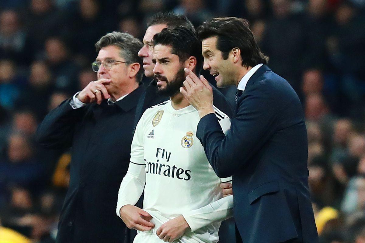 Real Madrid CF v Valencia CF - La Liga