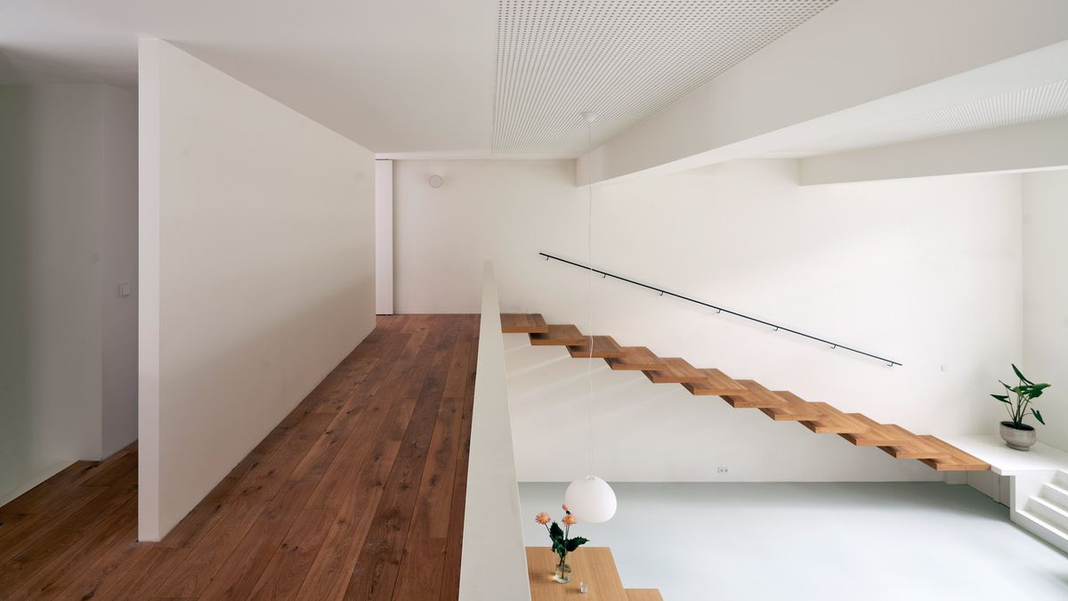 Floating stairs leading to loft