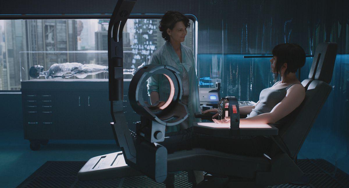 Juliette Binoche and Scarlett Johansson in Ghost in the Shell