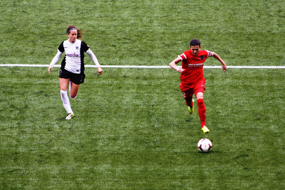 Christine Sinclair returned to the starting lineup for Portland Thorns FC and contributed an assist in a 4-1 win over the Washington Spirit