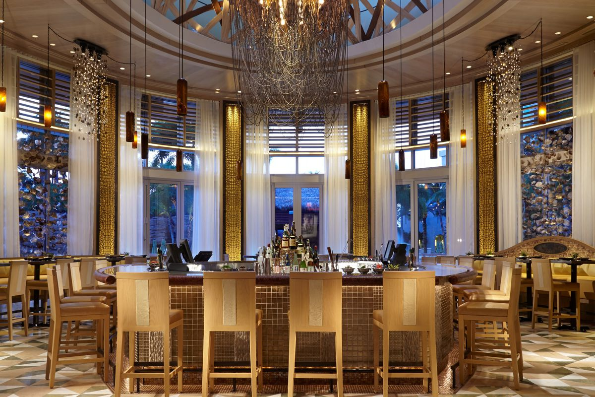 Miamis Best Boat Up Restaurants The 10 Hottest Restaurants In Fort