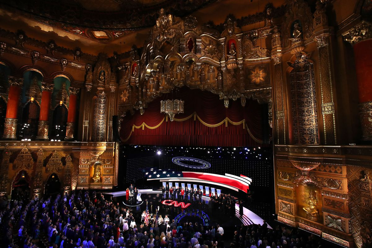 The ornate Fox Theatre is packed during the national anthem of the Democratic debate