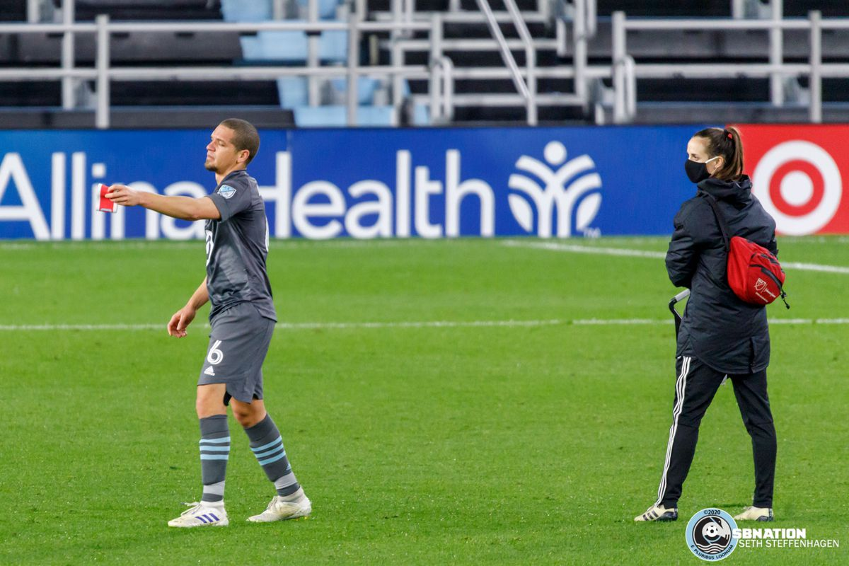 October 28, 2020 - Saint Paul, Minnesota, United States - Minnesota United midfielder Osvaldo Alonso (6) hands off the captain's armband after getting injured during the Minnesota United vs Colorado Rapids match at Allianz Field.